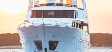 Lizard Island Superyacht Voyage – 6 Nights  Superyacht – Phoenix One