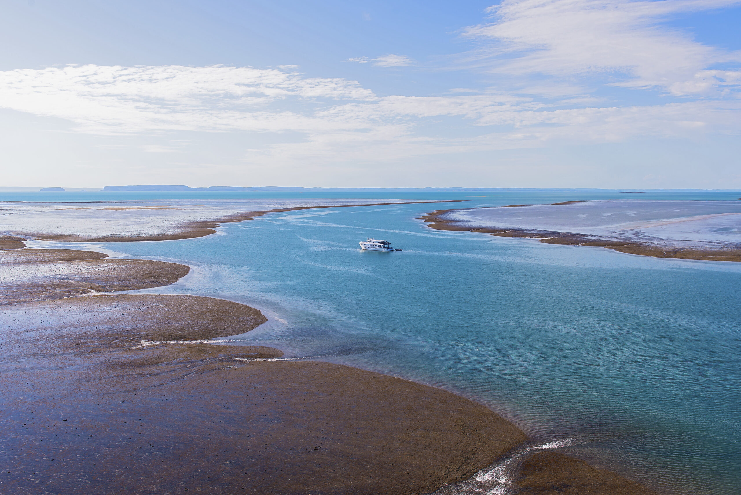 YOTSPACE superyacht voyages - Kimberley -  Explore iconic destinations such as Montgomery Reef