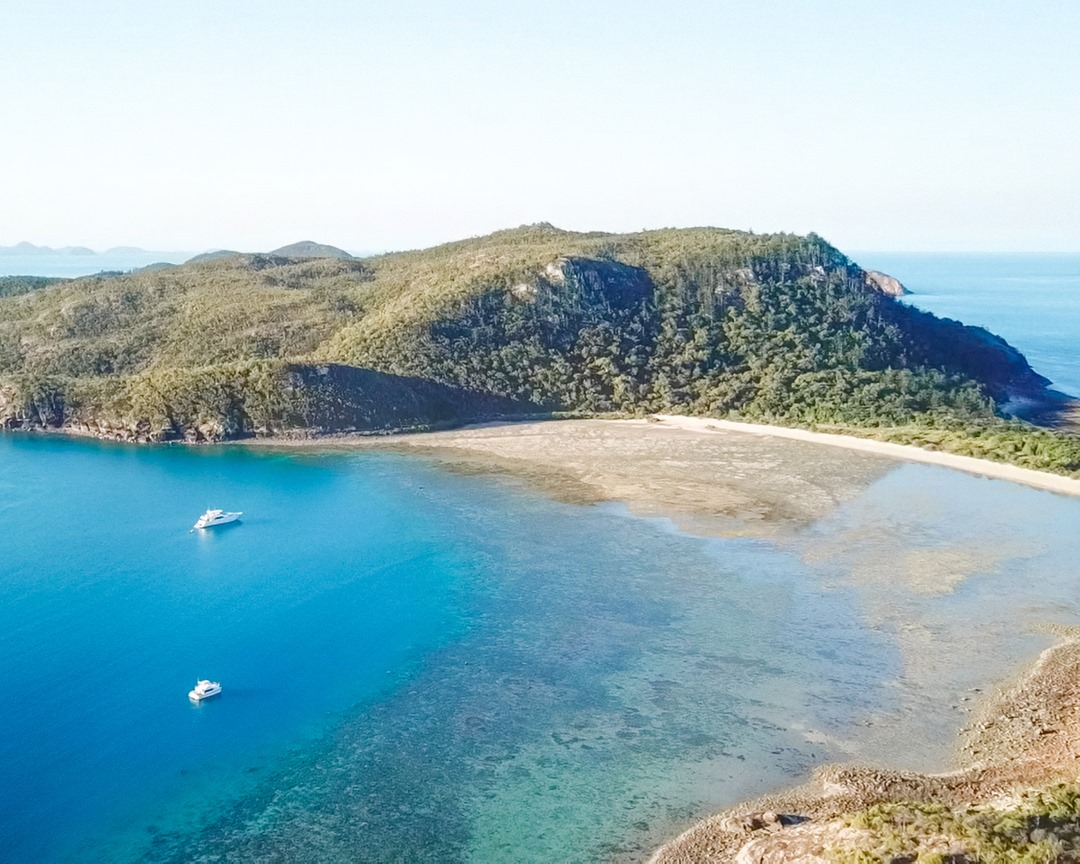 YOTSPACE Superyacht Voyage- Lady Pamela Whitsundays on the Great Barrier Reef