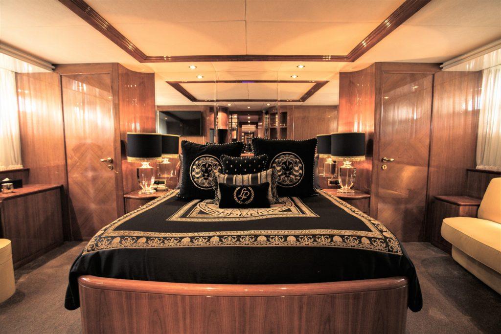 YOTSPACE - Superyacht Voyages - Lady Pamela - Master Main