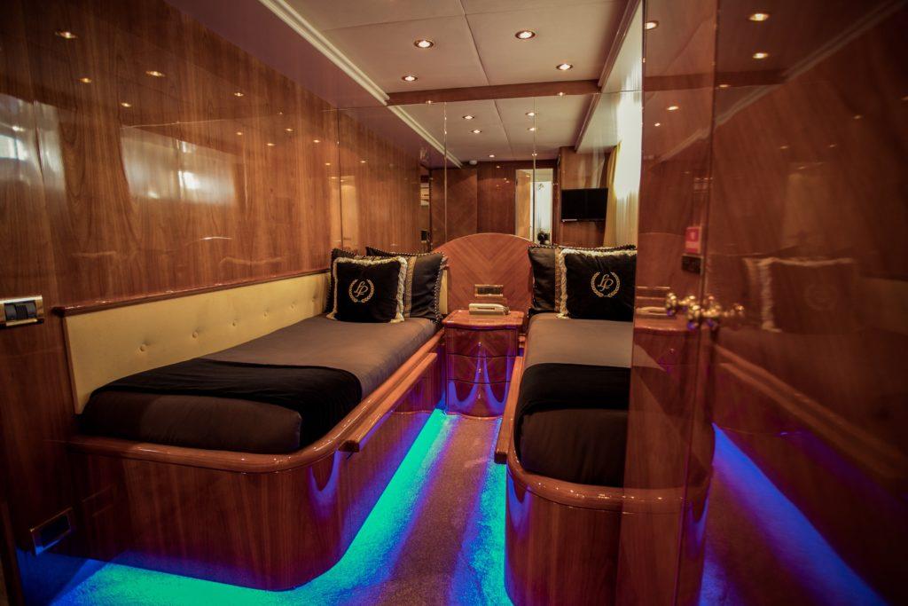 YOTSPACE - Superyacht Voyages - Lady Pamela - Port Twin