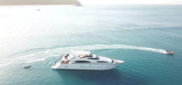 Ultimate Whitsundays Explorer Voyage – 5 Nights Superyacht – Lady Pamela