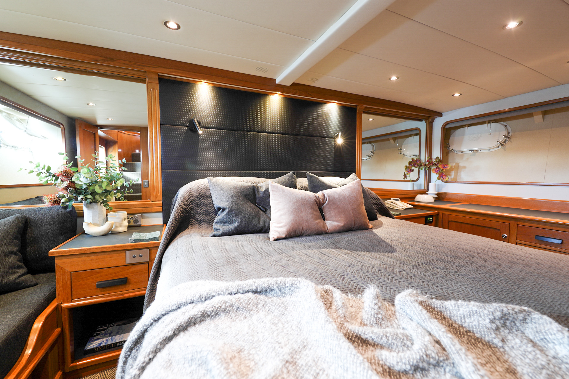YOTSPACE - Superyacht Voyages - Phoenix One Master Stateroom