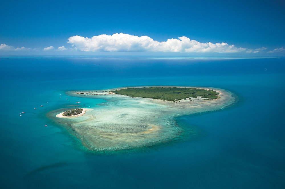 YOTSPACE superyacht voyages - Great Barrier Reef - Low Isles