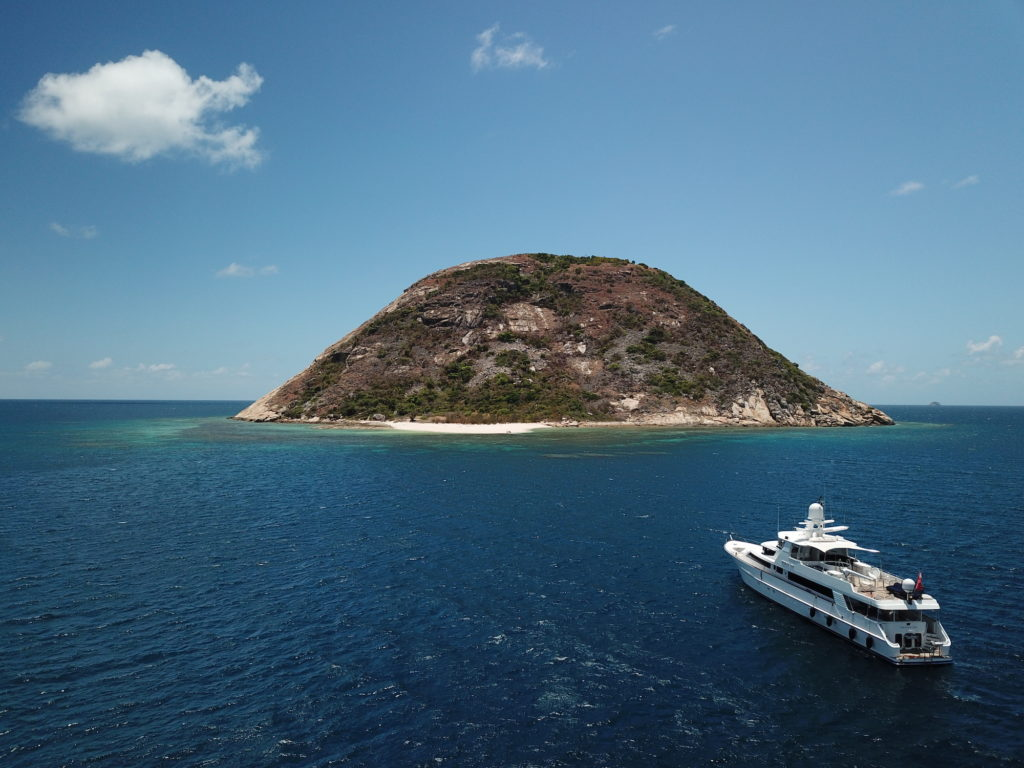 YOTSPACE superyacht voyages Great Barrier Reef - Lizard Island - Phoenix One