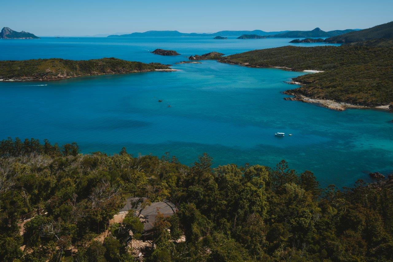 Bush walking Whitsunday Islands_Tourism Australia