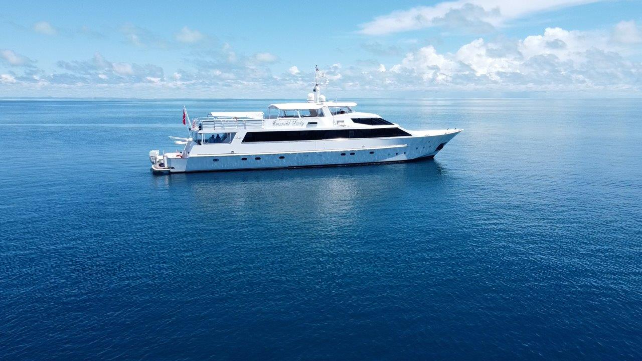 YOTSPACE superyacht voyages Lizard Island_Emerald Lady
