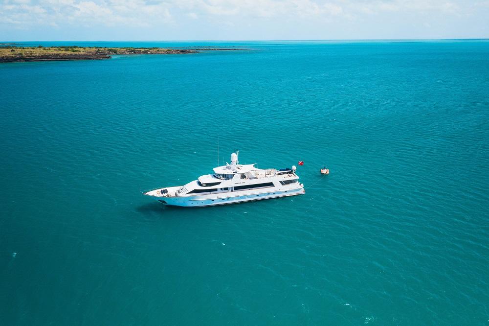 YOTSPACE superyacht voyages Great Barrier Reef - Phoenix One Nthn Australia