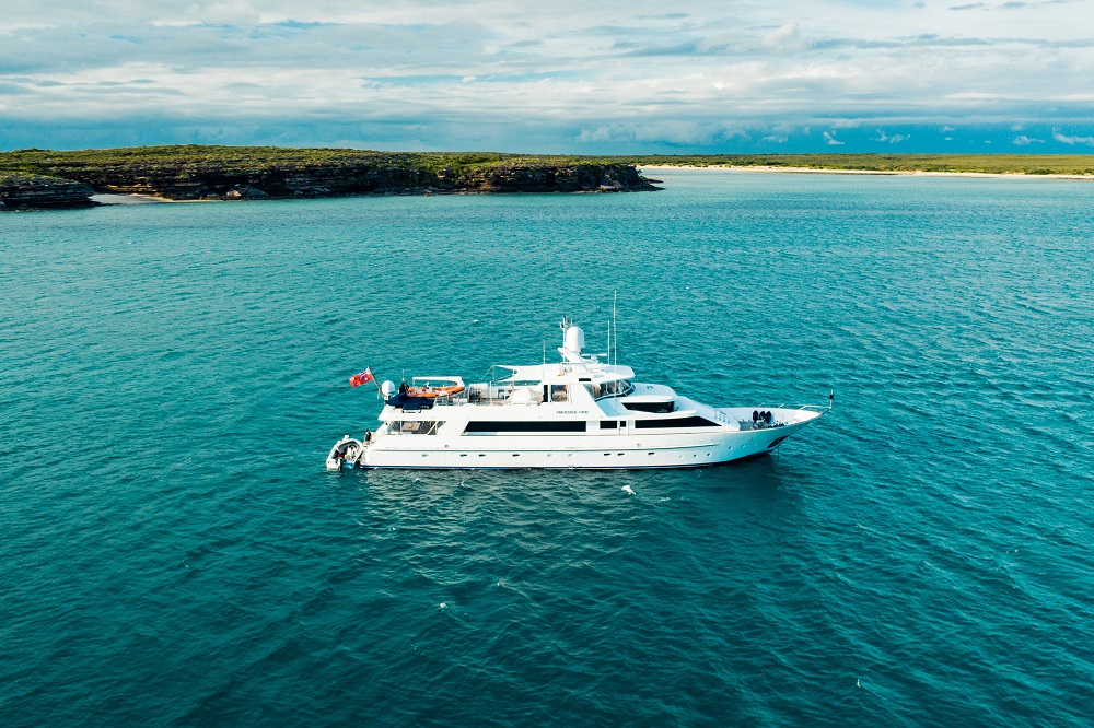 YOTSPACE superyacht voyages Great Barrier Reef - Phoenix One at Anchor